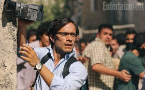 The horrified journalist (Gael Garcia Bernal)